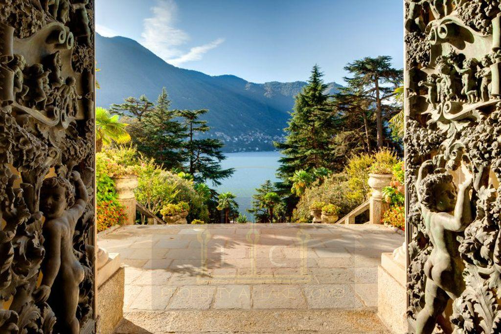 moltrasio lake como villa