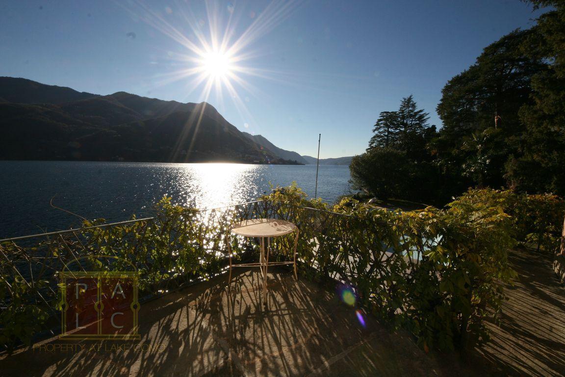 Villa Ripiego in Carate Lake Como