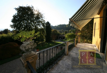 villa in Cernobbio with park