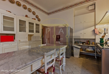 Kitchen complitelly equipped with america refrigerator and double kitchen electric and with gas in waterfront villa for rent lake Como