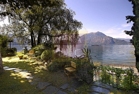 waterfront villa como