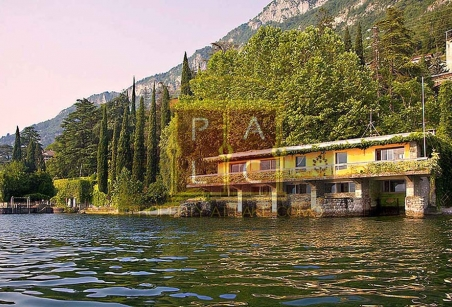 waterfront property lake como varenna