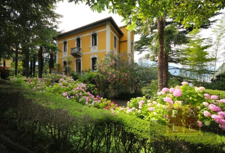Villa Liberty in Varenna waterfront